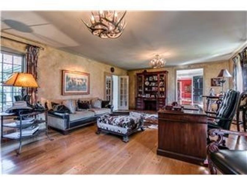 Real Estate Photography - 103 Brookmeadow Rd, Greenville, DE, 19807 - Living Room w random width pegged hardwood floors