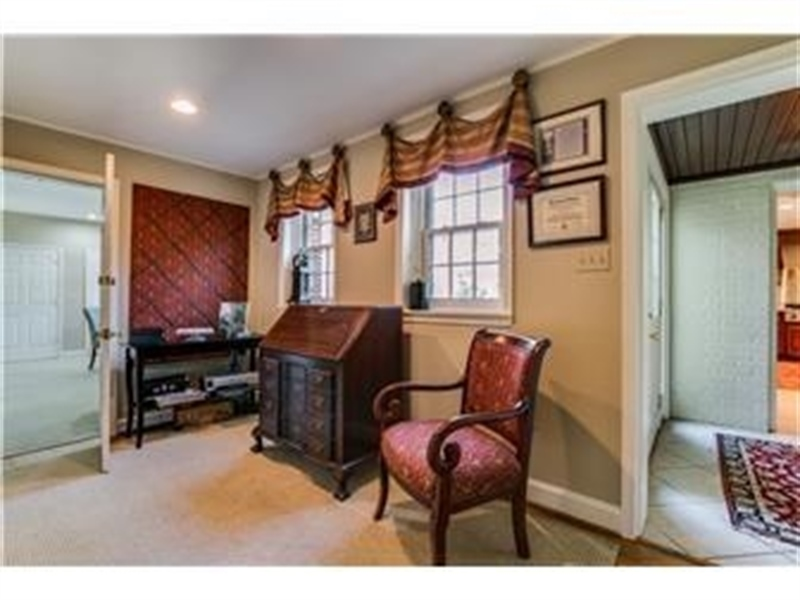 Real Estate Photography - 103 Brookmeadow Rd, Greenville, DE, 19807 - Sitting Room