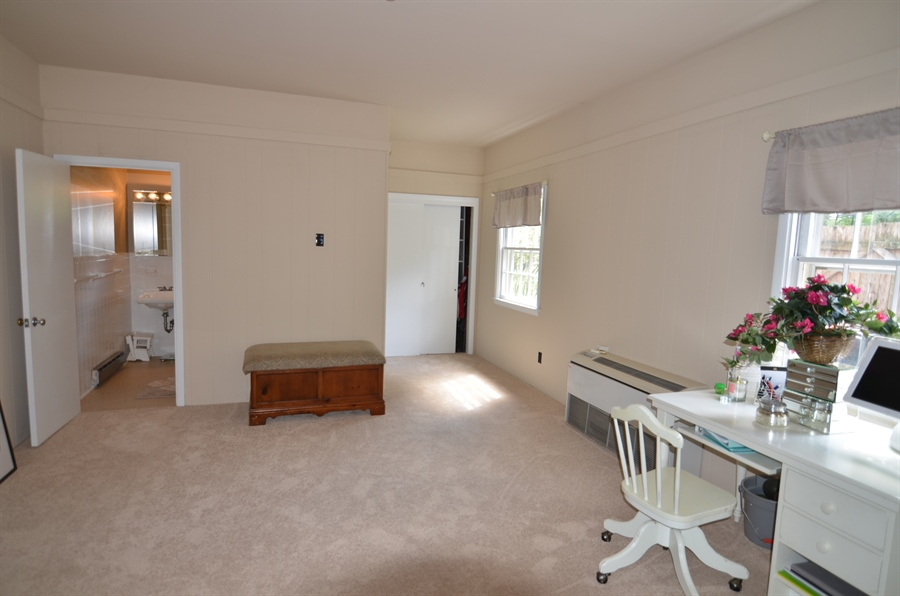 Real Estate Photography - 103 Brookmeadow Rd, Greenville, DE, 19807 - In Law Suite