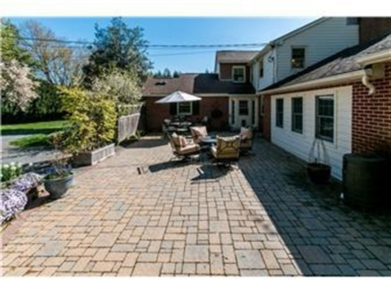 Real Estate Photography - 103 Brookmeadow Rd, Greenville, DE, 19807 - Large Paver Patio