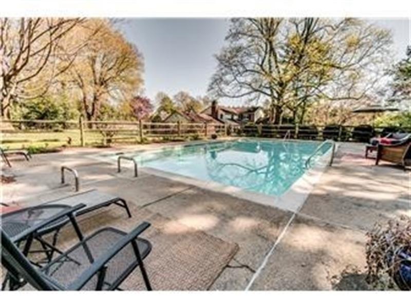 Real Estate Photography - 103 Brookmeadow Rd, Greenville, DE, 19807 - Pool