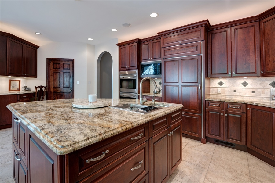 Real Estate Photography - 72 Woodholme Way, Elkton, MD, 21921 - CENTER ISLAND INCLUDES WARMING DRAWER/SINK