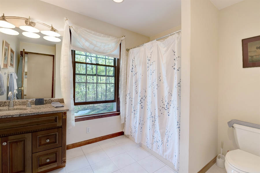 Real Estate Photography - 72 Woodholme Way, Elkton, MD, 21921 - HALL BATH