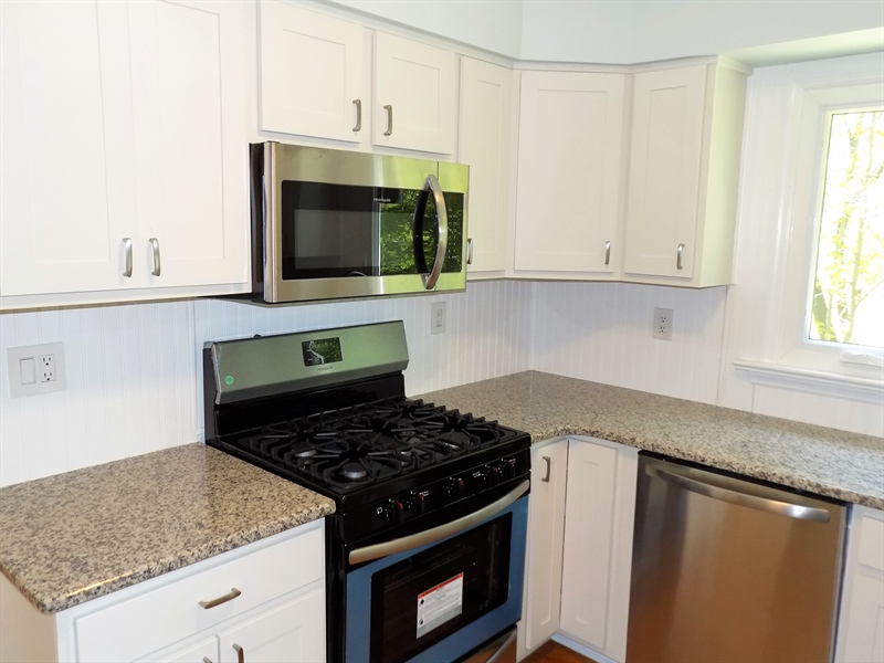 Real Estate Photography - 3 Orion Ct, Newark, DE, 19711 - New kitchen