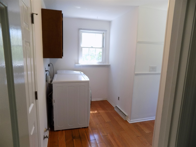 Real Estate Photography - 3 Orion Ct, Newark, DE, 19711 - Laundry/mud room