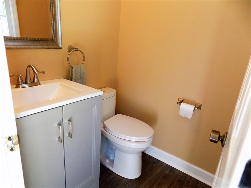 Real Estate Photography - 3 Orion Ct, Newark, DE, 19711 - Updated powder room