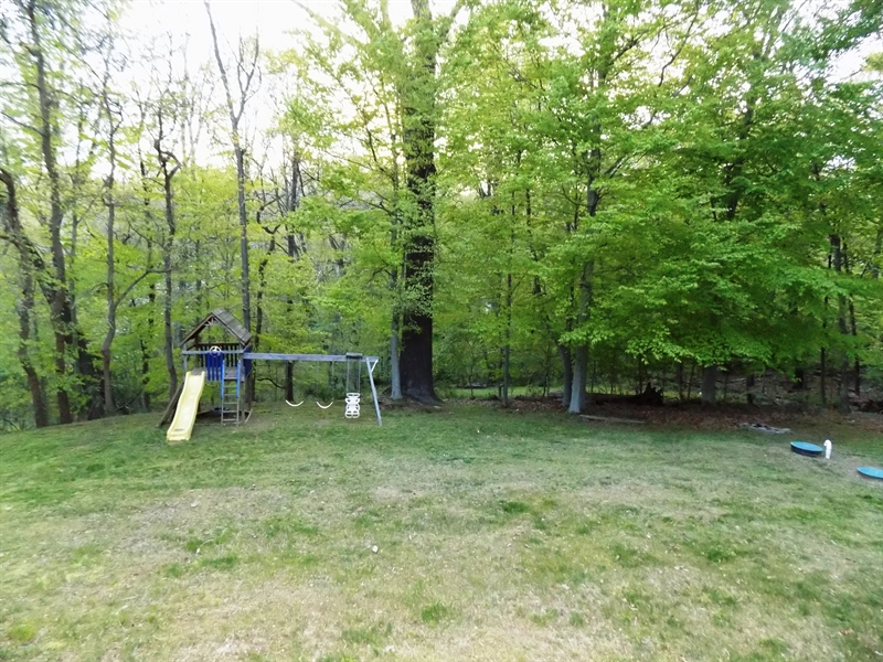 Real Estate Photography - 3 Orion Ct, Newark, DE, 19711 - Great back yard