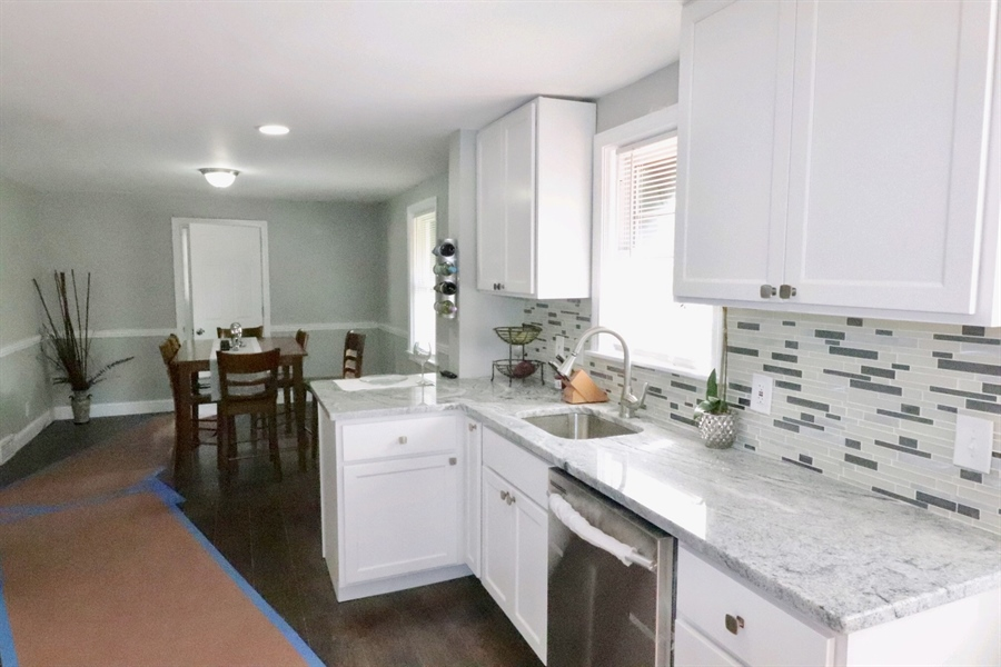 Real Estate Photography - 4 Temple Ter, Wilmington, DE, 19805 - Kitchen/Dining Room