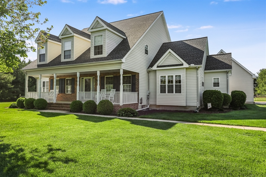 Real Estate Photography - 707 Spinnaker St, Middletown, DE, 19709 - Front View