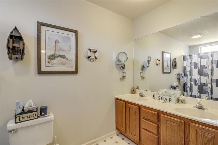 Real Estate Photography - 707 Spinnaker St, Middletown, DE, 19709 - Full Bathroom 2nd Floor