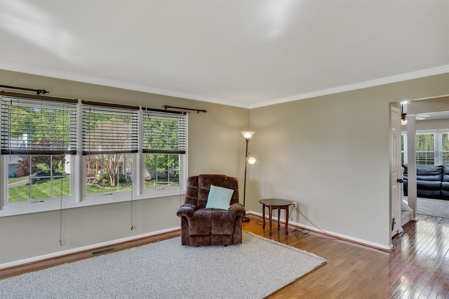 Real Estate Photography - 104 Yorkshire Ct, Middletown, DE, 19709 - Living rm with triple window