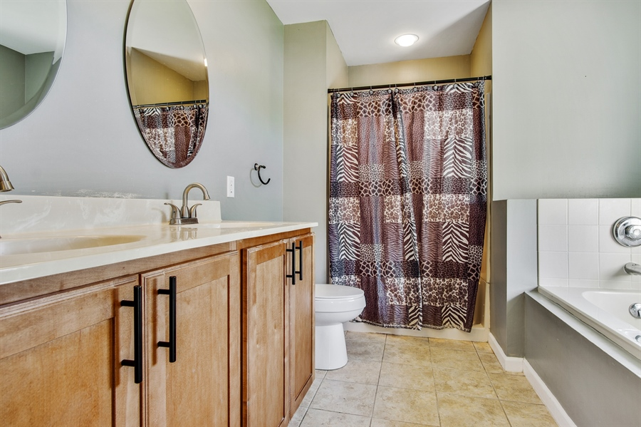 Real Estate Photography - 104 Yorkshire Ct, Middletown, DE, 19709 - Master bath with Whirlpool tub