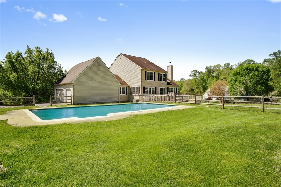 Real Estate Photography - 104 Yorkshire Ct, Middletown, DE, 19709 - Enjoy Summers with an in-ground pool