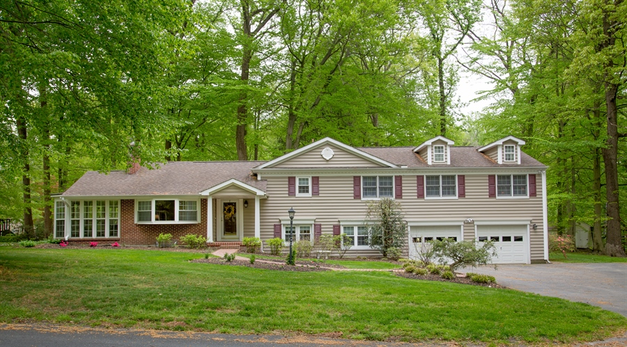 Real Estate Photography - 10 N Parkway, Elkton, MD, 21921 - Location 1