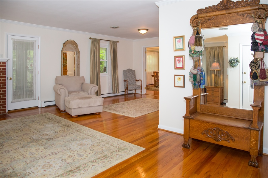 Real Estate Photography - 10 N Parkway, Elkton, MD, 21921 - Location 2