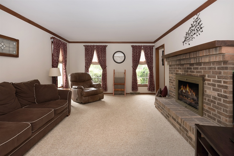Real Estate Photography - 40 Middlecroft Rd, Elkton, MD, 21921 - FAMILY ROOM WITH FIREPLACE