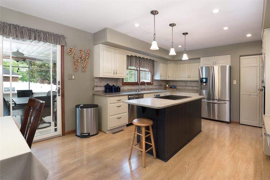 Real Estate Photography - 40 Middlecroft Rd, Elkton, MD, 21921 - CORIAN COUNTERS