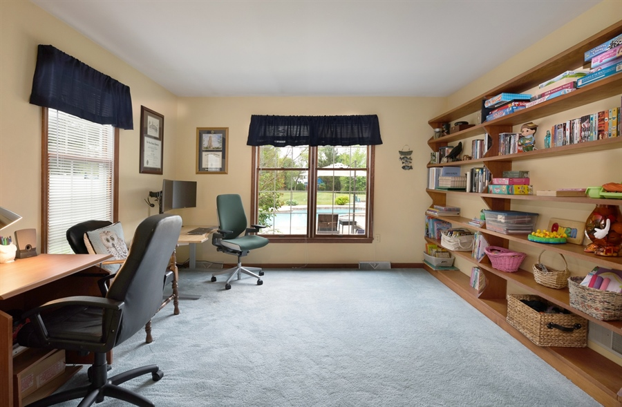 Real Estate Photography - 40 Middlecroft Rd, Elkton, MD, 21921 - BUILT IN SHELVES/OFFICE