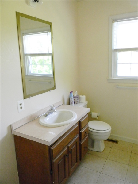 Real Estate Photography - 190 Kirkcaldy Dr, Elkton, MD, 21921 - 2nd floor Full Bath
