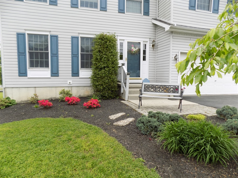 Real Estate Photography - 1436 Oldfield Point Rd, Elkton, MD, 21921 - Beautiful landscaping
