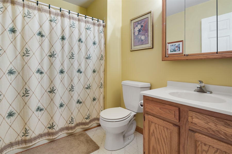 Real Estate Photography - 1436 Oldfield Point Rd, Elkton, MD, 21921 - Hall bath