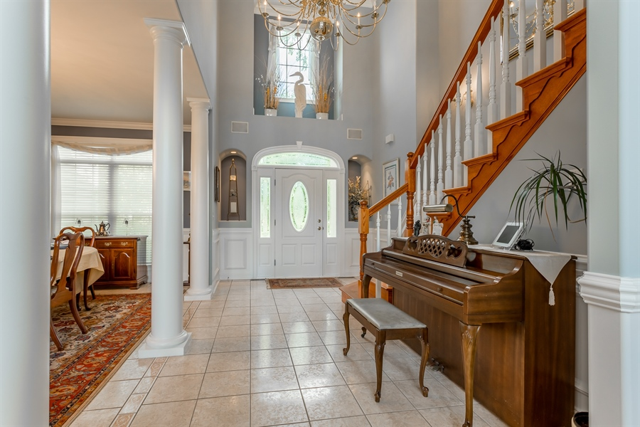 Real Estate Photography - 2 Plantation Ct, Ocean View, DE, 19970 - FOYER AND DINING ROOM