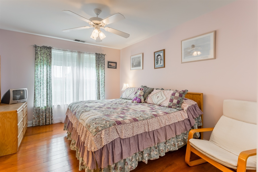 Real Estate Photography - 2 Plantation Ct, Ocean View, DE, 19970 - BEDROOM 2 WITH JACK AND JILL BATH