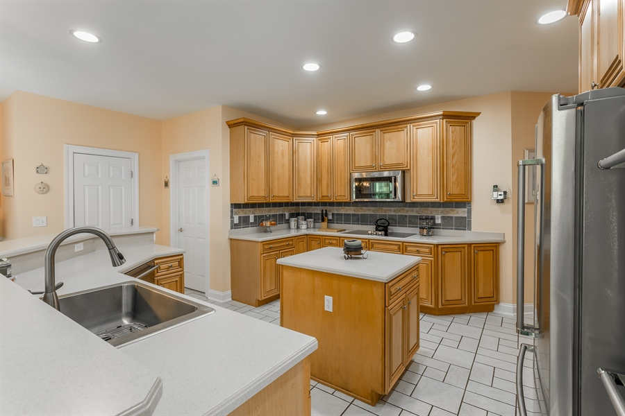 Real Estate Photography - 2 Plantation Ct, Ocean View, DE, 19970 - HUGE KITCHEN W/NEWER STAINLESS HIGH END APPLIANCES