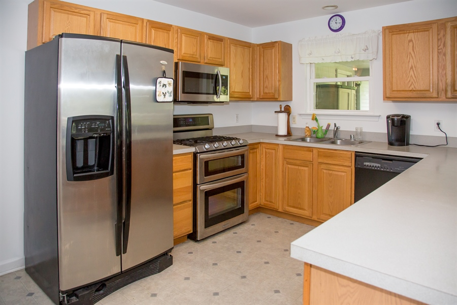 Real Estate Photography - 301 Diemler Street, Odessa, DE, 19730 - 10 X 15 fully equipped kitchen