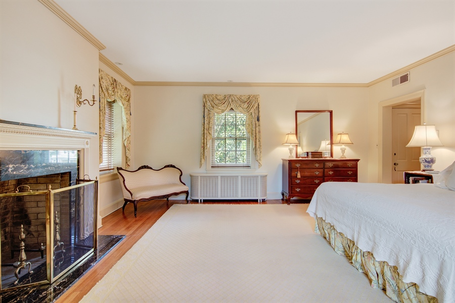 Real Estate Photography - 2402 W 17th St, Wilmington, DE, 19806 - Location 22