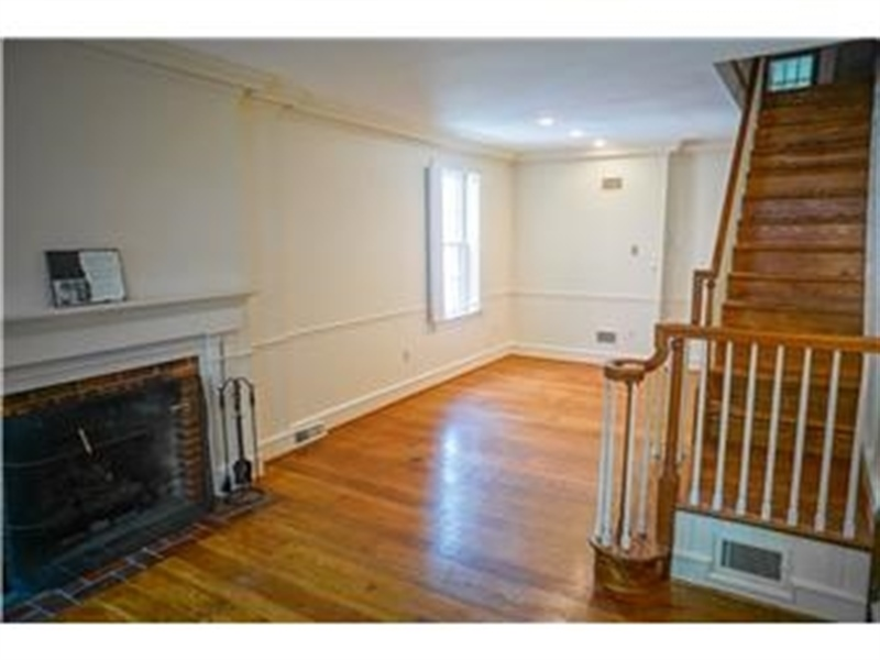 Real Estate Photography - 925 Lovering Ave, Wilmington, DE, 19806 - Location 3