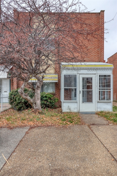 Real Estate Photography - 817 N Lombard St, Wilmington, DE, 19801 - Location 20