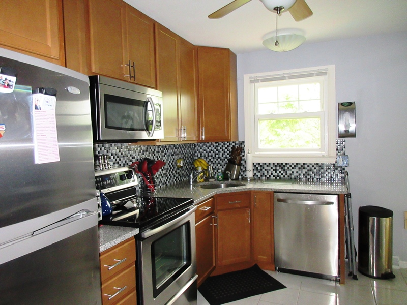 "Real Estate Photography - 13 Cook Rd, Newark, DE, 19711 - Updated Kitchen-Granite-Stainless-42"" Cabinets"