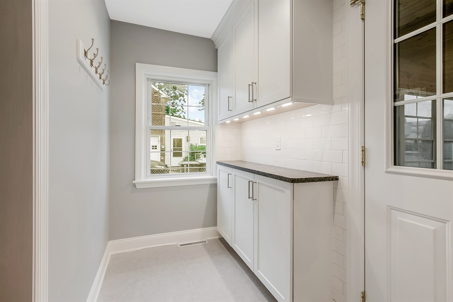 Real Estate Photography - 2606 Cleveland Ave, Claymont, DE, 19703 - Super convenient kitchen nook