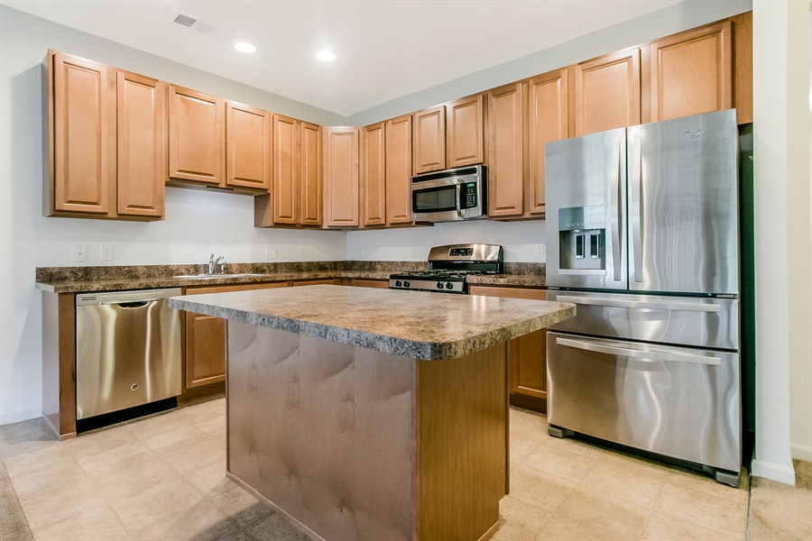 Real Estate Photography - 15 Fountainview Dr, Newark, DE, 19713 - Stainless Appliances