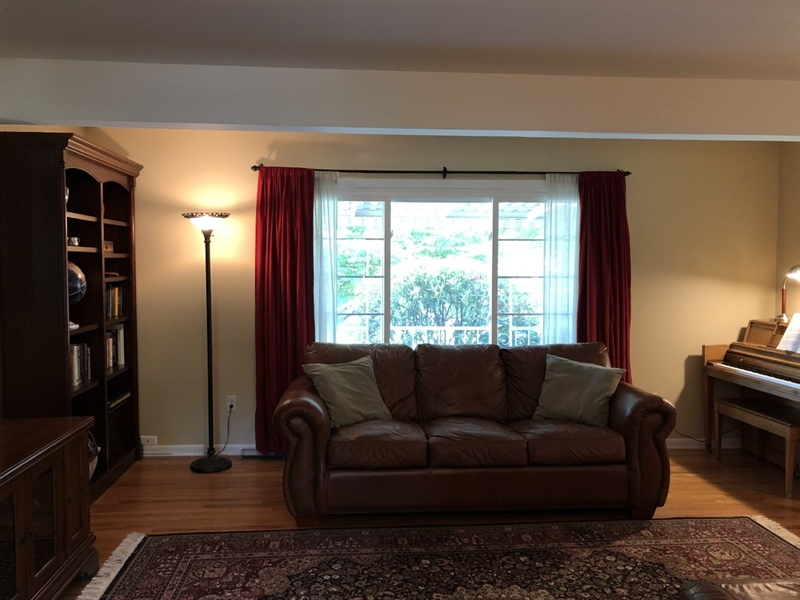 Real Estate Photography - 702 W Church Rd, Newark, DE, 19711 - Alternate view of living room & wide windows