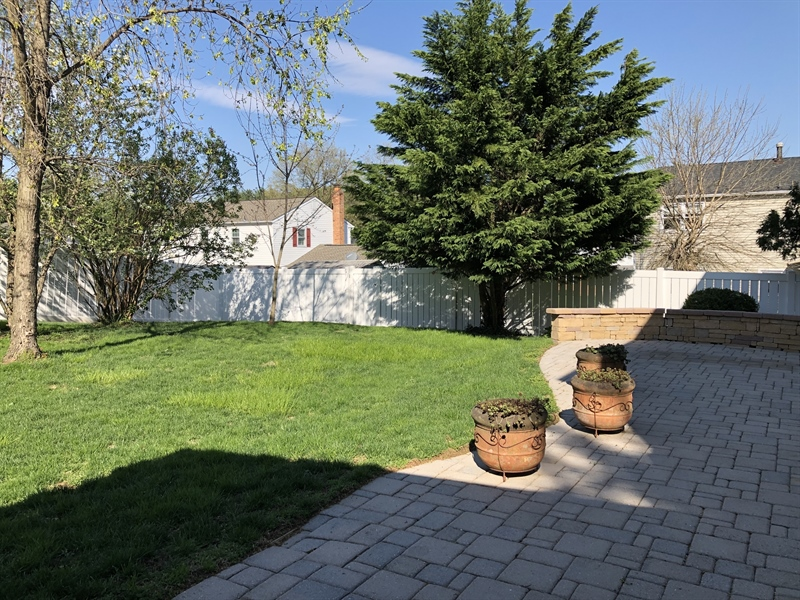 Real Estate Photography - 702 W Church Rd, Newark, DE, 19711 - Paver Patio great for entertaining & family fun