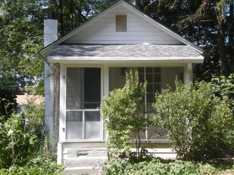 Real Estate Photography - 2303 Clearview Ave, Wilmington, DE, 19810 - Location 1