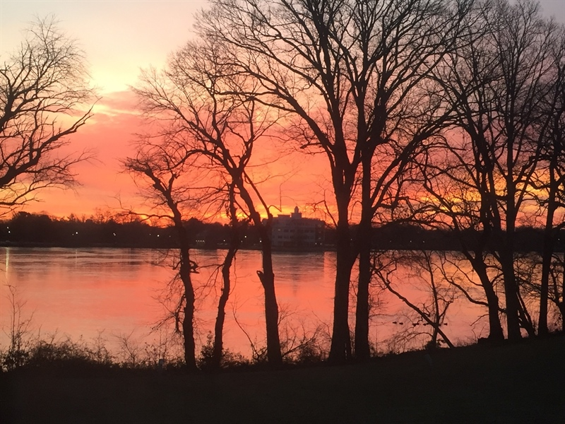Real Estate Photography - 971 Silver Lake Blvd, Dover, DE, 19904 - Beautiful Sunset