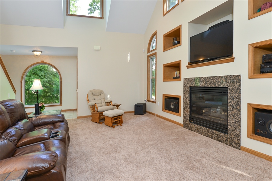 Real Estate Photography - 1155 Shady Beach Rd, Elkton, MD, 21921 - Built-ins, whole house speaker system, gas FP