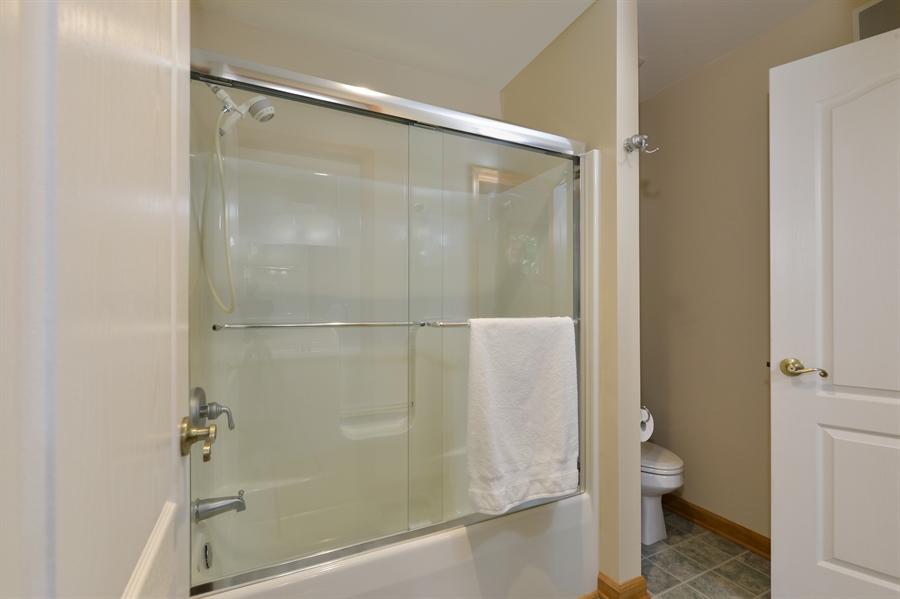 Real Estate Photography - 1155 Shady Beach Rd, Elkton, MD, 21921 - Jack & Jill bath between bedrooms upstairs