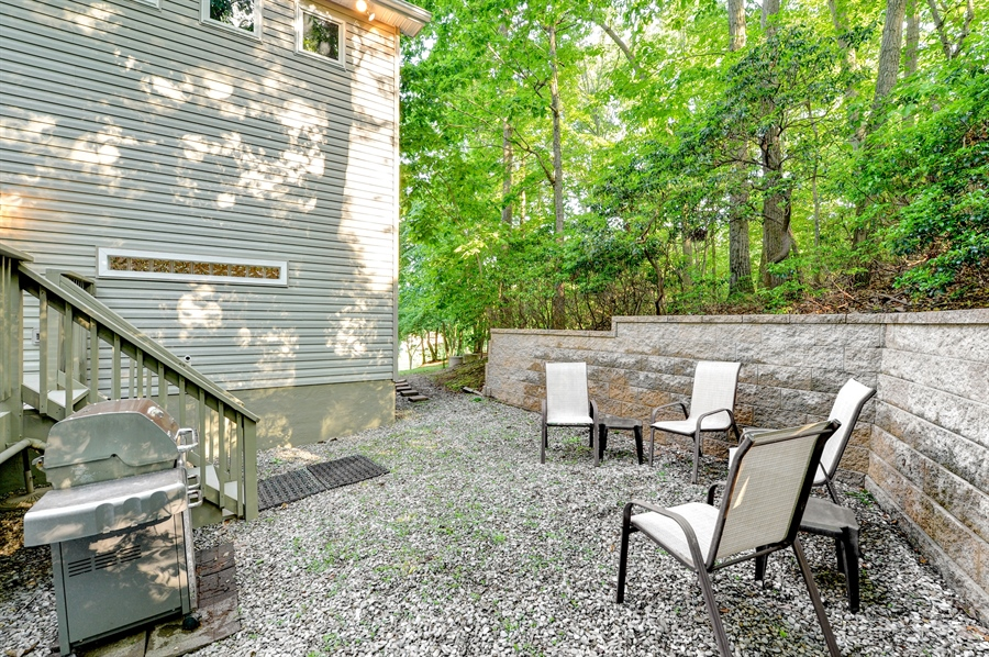 Real Estate Photography - 1155 Shady Beach Rd, Elkton, MD, 21921 - Great spot for enjoying life, reading, chillax-ing