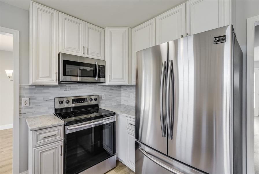 Real Estate Photography - 81 Goshawk Ln, Camden Wyoming, DE, 19934 - Stainless steel appliances