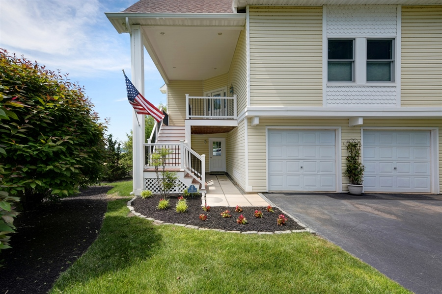 Real Estate Photography - 64 Shipwatch Ln, Chesapeake City, MD, 21915 - TWO CAR GARAGE, LOTS OF PARKING