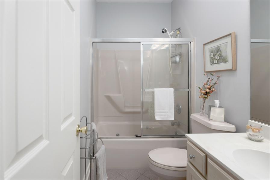 Real Estate Photography - 64 Shipwatch Ln, Chesapeake City, MD, 21915 - HALL BATH