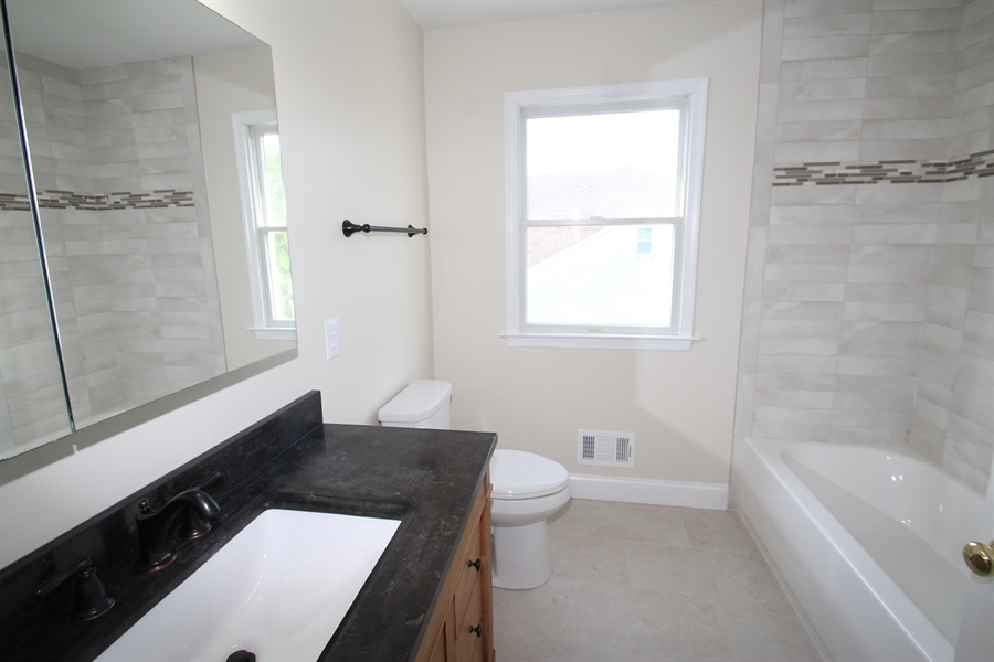 Real Estate Photography - 22 E Periwinkle Ln, Newark, DE, 19711 - Full Bath