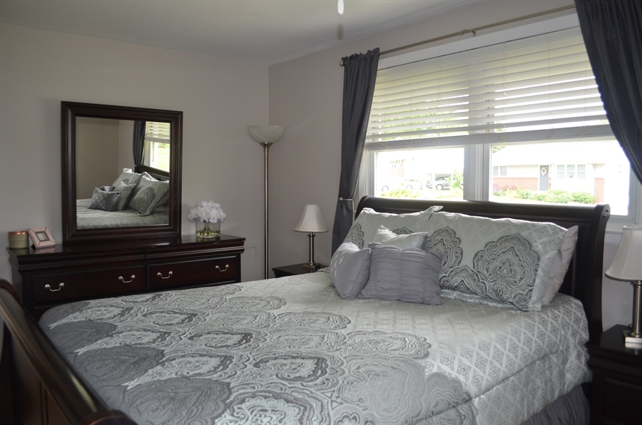 Real Estate Photography - 2605 Dean Dr, Wilmington, DE, 19808 - Nice Sized Master Bedroom