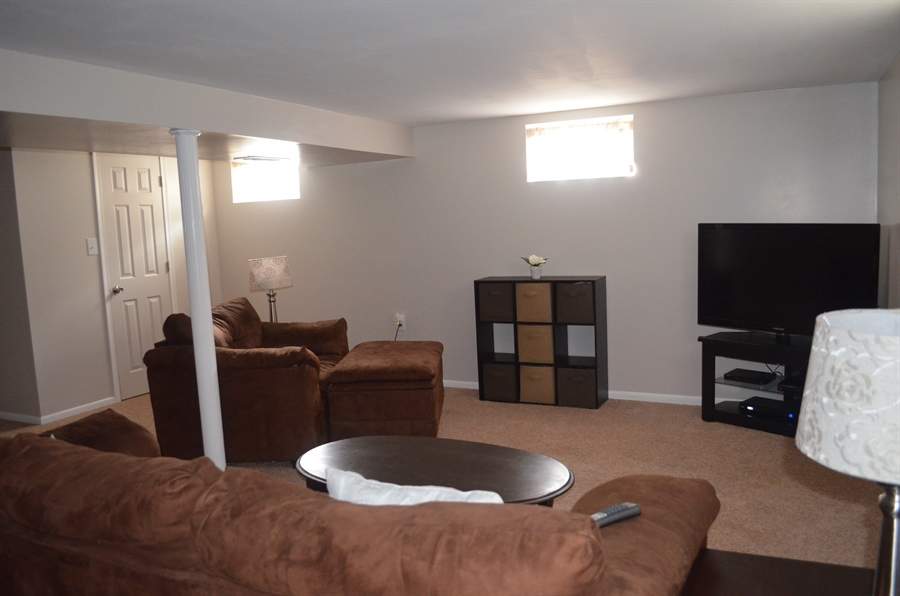 Real Estate Photography - 2605 Dean Dr, Wilmington, DE, 19808 - Family Room area