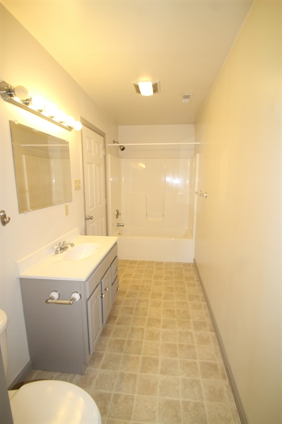 Real Estate Photography - 31 Harbor Road, Chesapeake City, DE, 21921 - Main Level Full Bath