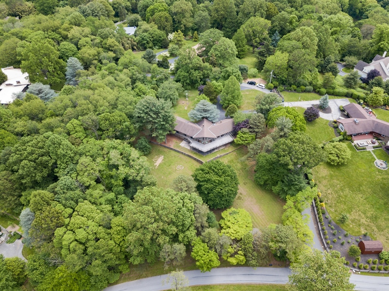 Real Estate Photography - 108 1/2 S Spring Valley Rd, Wilmington, DE, 19807 - Beautifully situated atop a 2 acre lot